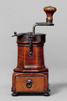 COFFEE OR SPICE MILL, Burgundy, 1st half of 18th - by Koller Auctions