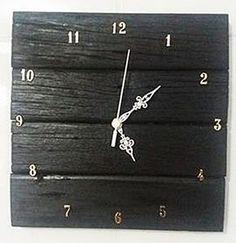 Artesanato feito de paletes madeira reciclada: Relógio de parede feito de madeira reciclada