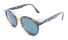 Inspirado no estilo do Ray-Ban Gatsby original surge esse novo modelo, que pode mudar as coisas para sempre. Se prepare para o Gatsby RB4256. Seu estilo unissex oferece um óculos redondo com inspiração retrô que combina perfeitamente o clássico com sua borda contemporânea. O óculos também tem duas pontes, para fornecer um estilo inovador e moderno.  http://oticasbrasil.com.br/ray-ban-new-gatsby-rb-4256-710-71-oculos-de-sol