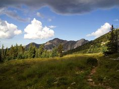 Venture deep into the Pecos Wilderness on this 23.7-mile, three-day hike into a cirque of high peaks in the Sangre de Cristos.