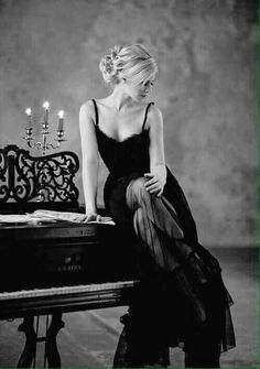 Glamorous lady in piano lessons. Life Is Beautiful, Beautiful Women, Romantic Girl, Romantic Images, Glamour, Secret Love, Black N White, White Art, White Photography
