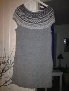 Marius kjole Knit Sweaters, Fair Isle Knitting, Nordic Style, Knit Crochet, Knitting Patterns, Dresses, Meet, Knitting Sweaters, Vestidos
