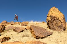 VIDEO Raw MTB: Pedro Burns en las calles de Chile |Sound Of Speed Mtb, Burns, Videos, Monument Valley, Nature, Travel, Street, Viajes, Naturaleza
