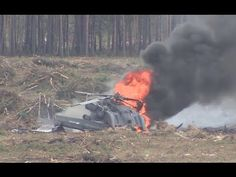 FIRST VIDEO: Moment helicopter crashes at airshow in Russia, pilot escapes burning cockpit Pope Francis Vatican, Military Helicopter, First Video, New Politics, Video News, Air Show, World War I, Pilot