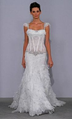 Sample Pnina Tornai Wedding Dress 4077, Size 6  | Get a designer gown for (much!) less on PreOwnedWeddingDresses.com