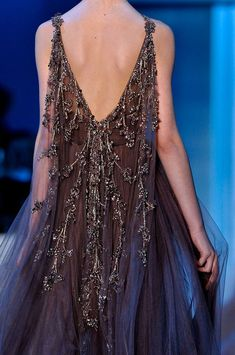 Elie Saab at Couture Fall 2011 - http://www.stylebistro.com/runway/Couture+Fall+2011/Elie+Saab/Details/aU7XyeIFjPm