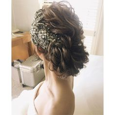 WEDDING #セントラルユニオン大聖堂 でのスタイルは立体感を出してかっこよく #hawaii #hawaiiwedding #hairstyle #updo #jennypackham #ハワイ#ハワイウェディング#ヘアメイク#ヘアアレンジ#プレ花嫁#シニヨン#アカシア #wedding #hairstyles #ウェディング #ヘアスタイル