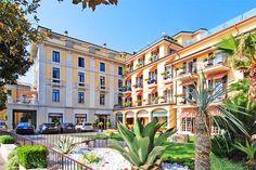 Park Hotel - Desenzano del Garda, Garda Lake - Gardalake.com - Had a great stay here. Nice roof top pool and sun trap.
