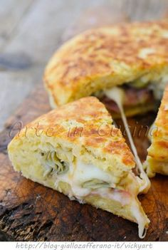 Focaccia potato fast fried with artichokes and provolone vickyart art in the kitchen Wine Recipes, Cooking Recipes, Fingers Food, Easy Appetizer Recipes, Vegetable Recipes, Casserole Recipes, Italian Recipes, Love Food, Snacks