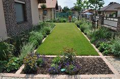 Čisté línie v záhrade nemusia byť fádne