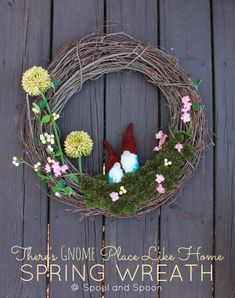 "Spool and Spoon: ""There's GNOME Place Like Home"" Wreath"