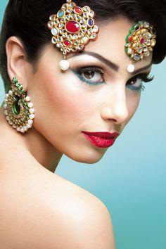 traditional-elegance #makeup #wedding #asian