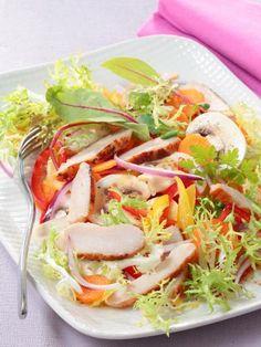 Salade d'émincés de poulet, champignons et légumes croquants : Recette de Salade d'émincés de poulet, champignons et légumes croquants - Marmiton