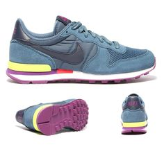 NIKE Womens Internationalist Trainer | Red | Footasylum