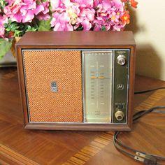Motorola Vintage 1960s Solid State Radio
