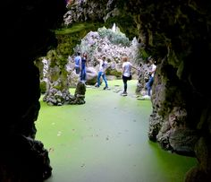 Sintra, Portugal: 8 Reasons Why a Trip to Sintra is the Ultimate Game of Thrones Experience - via Snow to Seas 13-07-2017 | Quinta da Regaleira