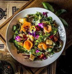 #whiskey #dish #food #tasty #goodlooking Acai Bowl, Whiskey, Salads, How To Look Better, Tasty, Dishes, Breakfast, Hot, Ethnic Recipes
