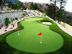 SYNLawn #Golf Putting Green - more than just artificial turf. Made to feel like true roll. Awesome back yard, don't you think?