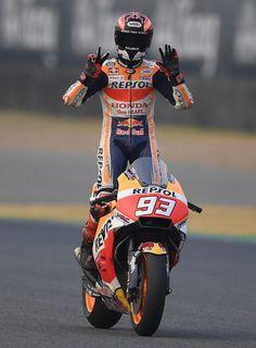 Motorcycle Racers, Motorcycle Men, Marc Marquez, Velentino Rossi, Yamaha R3, Spanish Grand Prix, Bmw S1000rr, Honda Motorcycles, Sportbikes