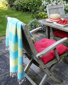 Versatile Hammam Towels are handy as blankets for al fresco dining in the garden. Extra layering is always a good idea to enjoy outdoors… Outdoor Chairs, Outdoor Furniture, Outdoor Decor, Caravan Holiday, Al Fresco Dining, Beach Towel, Towels, Blankets, Summertime