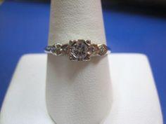 Beautiful vintage 14K solid white Gold Diamond Engagement Ring 0.25CTW 2.1g sz9