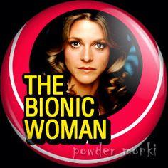 """Vrouw van 6 miljoen. Nederlandse titel van de Amerikaanse televisieserie Bionic Woman, oorspronkelijk uitgezonden in de jaren zeventig. De hoofdrol van Jaimie Sommers werd gespeeld door Lindsay Wagner. De serie is een afgeleide van de televisieserie Man van Zes Miljoen en bestaat uit drie seizoenen. De serie begon als 2 dubbelepisodes in De Man van Zes Miljoen (""""The Bionic Woman"""" en """"The Return of the Bionic Woman""""), waarin Jaimie Sommers de vriendin en verloofde van Steve Austin was. Als…"""