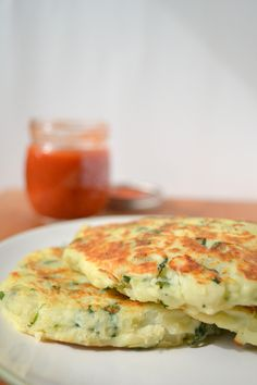 Mashed Potato Pancakes Mashed Potatoes: 10-12 small or medium russet potatoes 3 large handfuls spinach 3-4 green onions, white and green parts 1/4 C butter 3/4 – 1 C milk 1 tsp salt plus more to taste  Pancakes: 4-5 C leftover cold mashed potatoes 2 large eggs 1/3 cup whole wheat flour(optional) A pinch extra salt