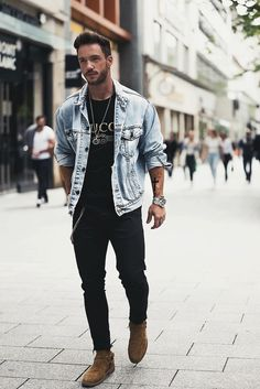 Daniel Fox wearing Zara Skinny Jeans, Gucci Washed T-Shirt, Saint Laurent Classic Wyatt 40 Harness Boots