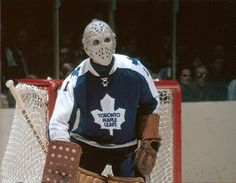 Jaques Plante Hockey Goalie, Hockey Players, Maple Leafs Hockey, Goalie Mask, Toronto Maple Leafs, Nhl, Old School, Cool Designs, Hockey Stuff