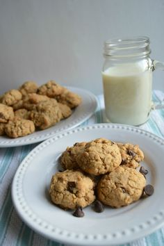 Two Spoonfuls: Whole Wheat Toasted Oatmeal Chocolate Chip Cookies