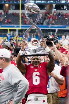 The 16 best, weirdest, and most beautiful bowl trophies Mvp Trophy, Piano Recital, Cotton Bowl, Orange Bowl, Bowl Game, Usa Today Sports, Rose Bowl, W 6, College Football