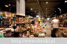 Handel hurtowy – oferta Makro Cash and Carry Handel hurtowy w Polsce jest reprezentowany przez wiele firm. Niektóre z nich zapewniają bardzo konkretny asortyment, inne starają się proponować jak najbardziej kompleksową ofertę w swojej branży. A zatem na rynku polskim działają hurtownie spożywcze, budowlane, ale również dostawcy, którzy oferują tylko wędliny, napoje czy kosmetyki dla dzieci. Handel hurtowy to także bardzo charakterystyczna i doceniana ofert