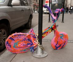Knitted Bike in NYC #New York - I have never been to New York...and I want to.