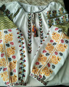 Ukrainian vyshyvanka from Bukovina Folk Costume, Costumes, Folk Embroidery, Short Tops, Embroidered Blouse, Traditional Outfits, Blackwork, Floral Tops, Cross Stitch