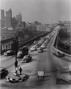 Liberty Bridge rush hour 1951