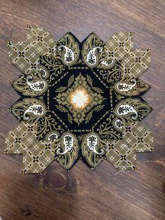 Millefiori Quilts, Cross Quilt, I Love Lucy, English Paper Piecing, Hexagons, Crosses, Cl, Quilt Blocks, Quilt Patterns