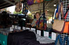 Daren Otis of Lightweight Travel Totes creates fabric bags.  She has many gorgeous fabrics in tote bags, purses and accessories. Over 400 fabrics to choose from – visit her website to see the great variety!