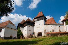 P h o t o g e o g r a p h y: Viscri - picturesque Saxon village in Transylvania, Romania