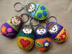 Mini matrioskas llaveros felt keyring by María Tenorio, via Flickr