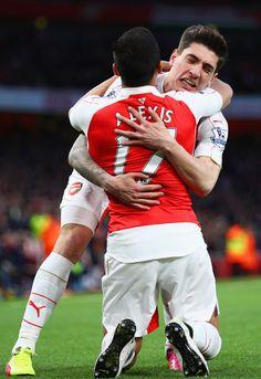 Two goals by Alexis Sanchez. Arsenal 2-0 West Brom (April 2016)