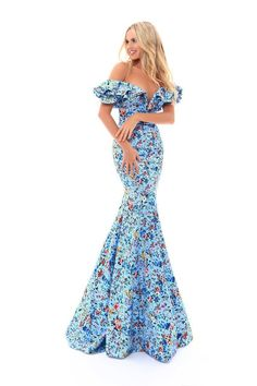 Be a trendsetter and leave the crowd in awe in the Floral Sweetheart Off the Shoulder Ruffle Fitted Evening Dress by Tarik Ediz Prom. This unforgettable look features a sweetheart neckline, off the shoulder ruffles, a low back and a trumpet silhouette. Mermaid Prom Dresses, Pageant Dresses, Bridesmaid Dresses, Mermaid Skirt, Mermaid Gown, Pink Dresses, Wedding Dresses, Off Shoulder Mermaid Dress, Nail Design Spring