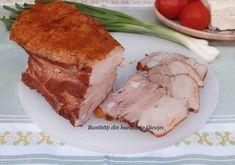 Pieptul de porc fiert cu coji de ceapa este un mezel usor de preparat in casa. Cojile de ceapa ii dau aroma si o culoare frumoasa. Eu am fol... Pork