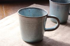 青い結晶釉を使ったコーヒーカップ