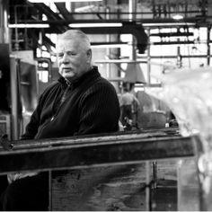 The artist behind many beautiful Finnish series of glass art, Oiva Toikka ◇ Oiva Toikka