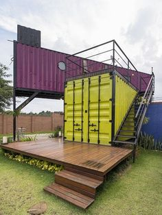 Casa container da Ca. Shipping Container Conversions, Shipping Container Buildings, Shipping Container Design, Container House Design, Shipping Containers, Container Restaurant, Container Cafe, Container Office, Cargo Container