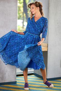 #yokko #veildress #printeddress #floralprintdress #floralpattern #classy #elegance #madeinromania Daytime Dresses, Your Perfect, Flower Prints, Wrap Dress, Classy, Floral, How To Make, Collection, Fashion