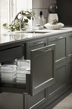 Home Decorating Magazines Usa Kitchen Cabinet Colors, Kitchen Sets, Home Decor Kitchen, Kitchen Furniture, Kitchen Interior, New Kitchen, Room Interior, Home Kitchens, Kitchen Cabinets