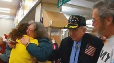 Soldiers Return Home for the Holidays!