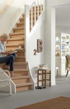 Deze #trap is bekleed met #vinyl. Één van de voordelen van vinyl is dat het makkelijk schoon te houden is. Dat scheelt weer tijd. Voordelen Van, Stairs, Home Decor, Staircases, Stairway, Decoration Home, Room Decor, Ladders, Interior Decorating