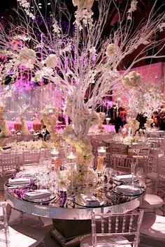 Winter Wedding Planning Tips аnd Ideas Winter Wedding Centerpieces, Wedding Decorations, Flower Centerpieces, Wedding Designs, Wedding Styles, Wedding Ideas, Wedding Stuff, Frozen Wedding, Winter Wonderland Wedding